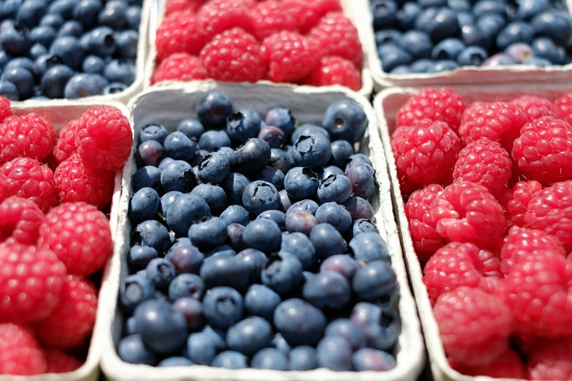 Picture of berries that cause teeth staining